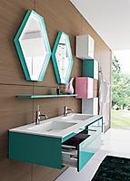 bagno con due lavabi in corian
