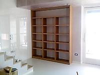 libreria su misura noce