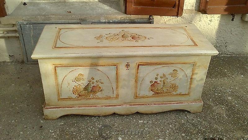 Prodotti categoria complementi e mobili su misura - Cassapanca decorata ...