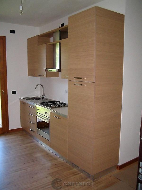 Prodotti categoria cucine moderne immagine cucina legno rovere naturale arredamenti carraro - Cucine moderne in legno naturale ...