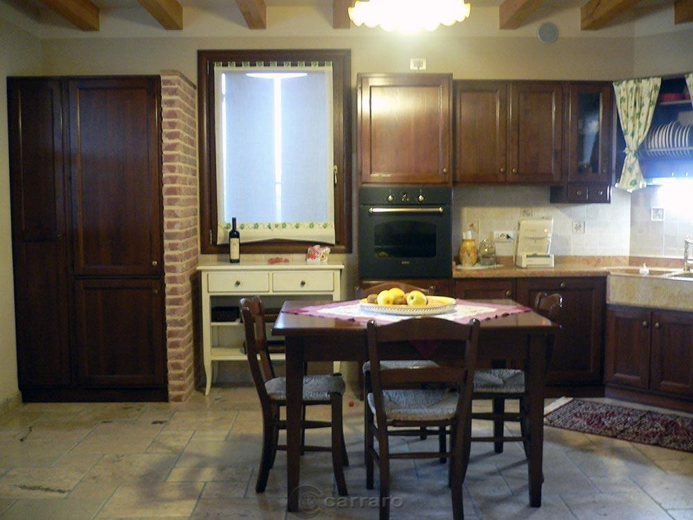 Prodotti - Categoria: Cucine classiche - Immagine: cucina noce ...